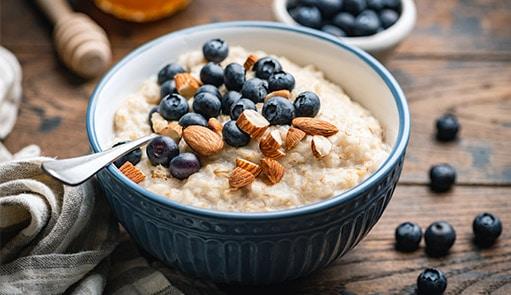 Veganes Frühstück: Mandelbrei